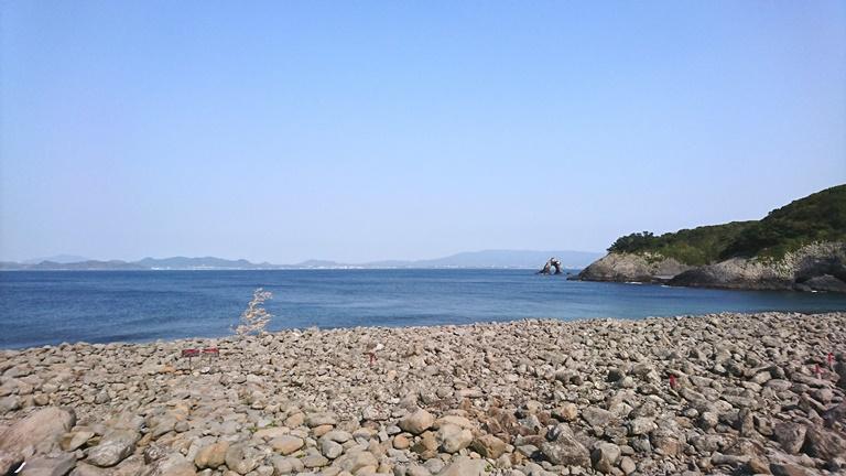 鼻栗瀬。平安時代の瓦が海底から発見された場所