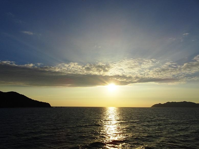 鐘崎港から望む夕陽