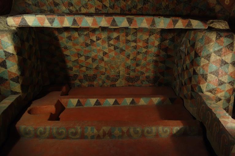 王塚古墳の屍床