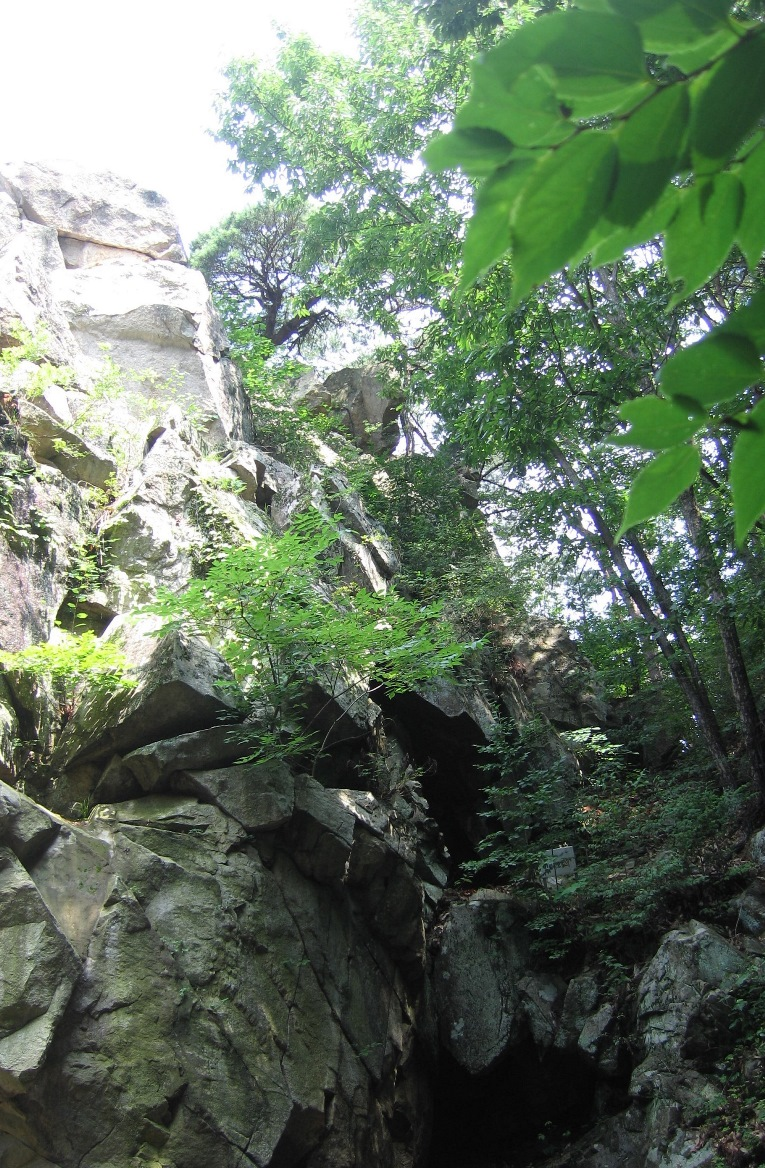 摩崖仏の周囲の様子