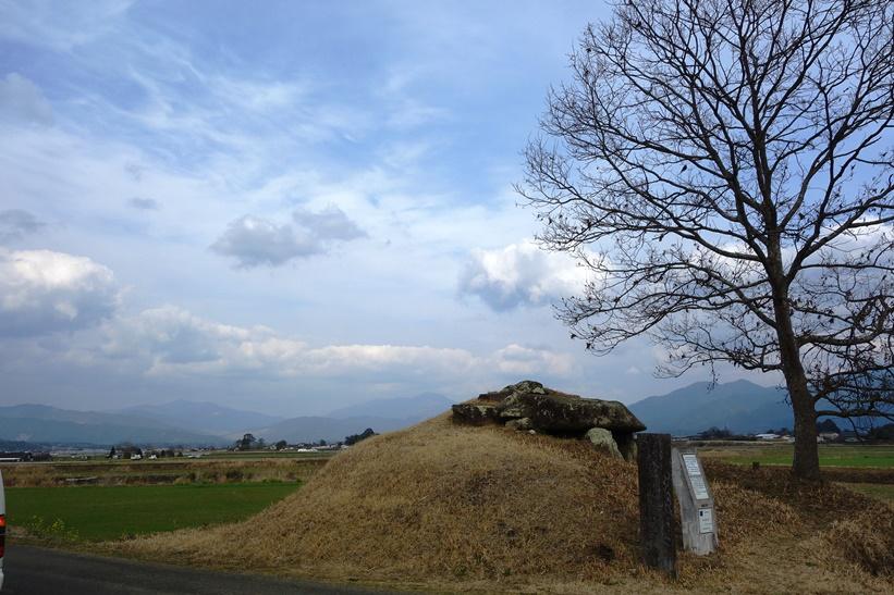 鬼の釜古墳 石室全景(球磨郡あさぎり町)