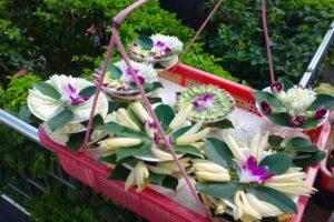 龍山寺門前の花売り