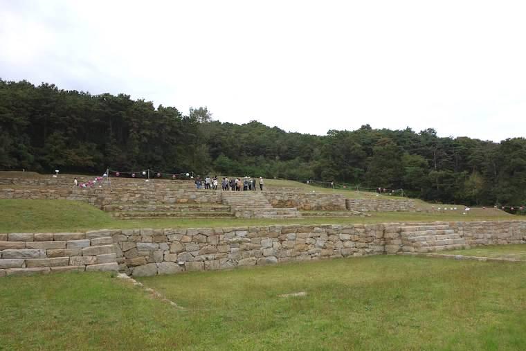江華島禅源寺跡の基壇