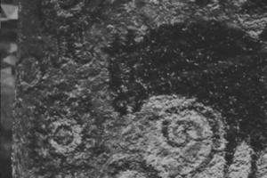 双脚輪状文、王塚装飾古墳館の展示