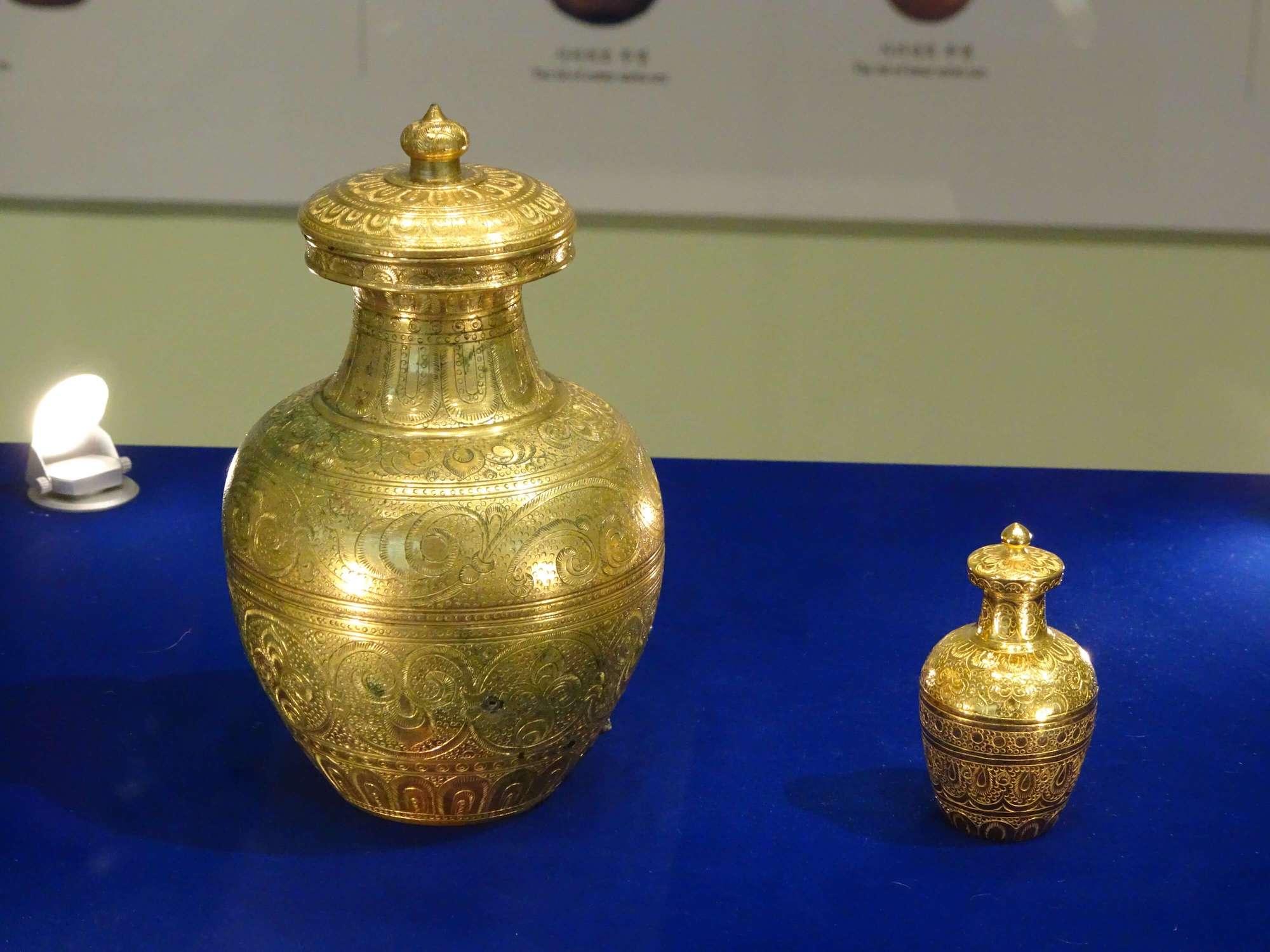 益山弥勒寺二重の舎利容器