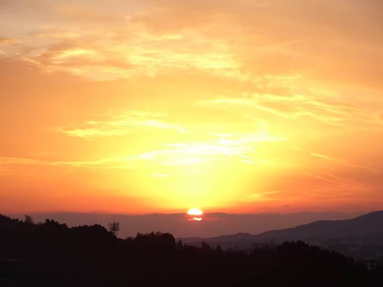 焼ノ峠古墳から見える有明海に沈む夕陽