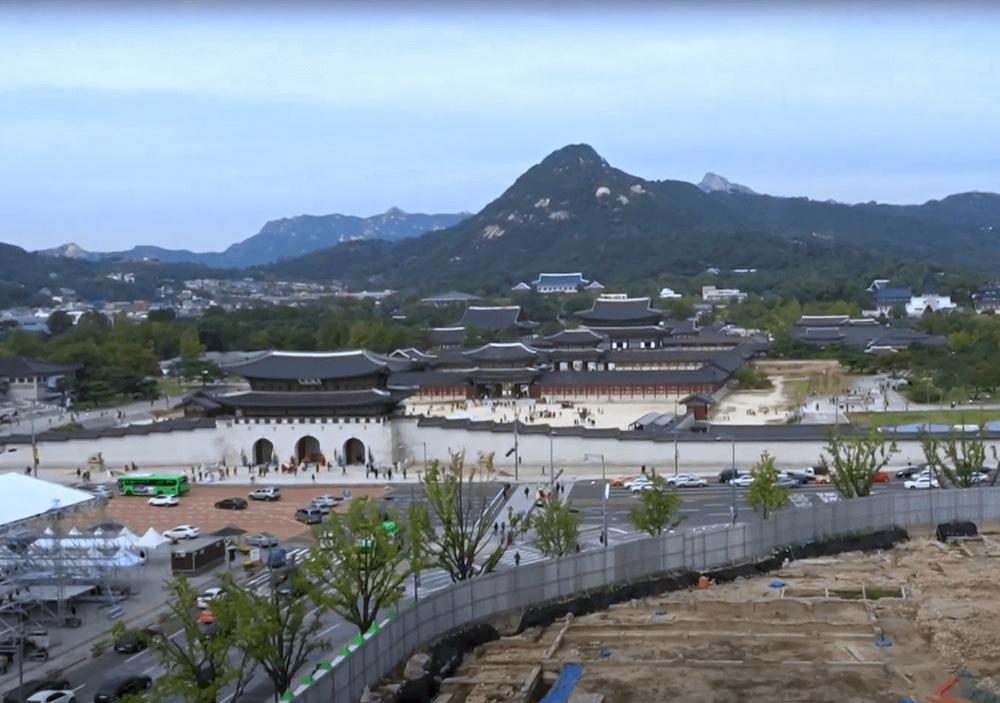 大韓民国歴史博物館の屋上から景福宮から青瓦台を一望