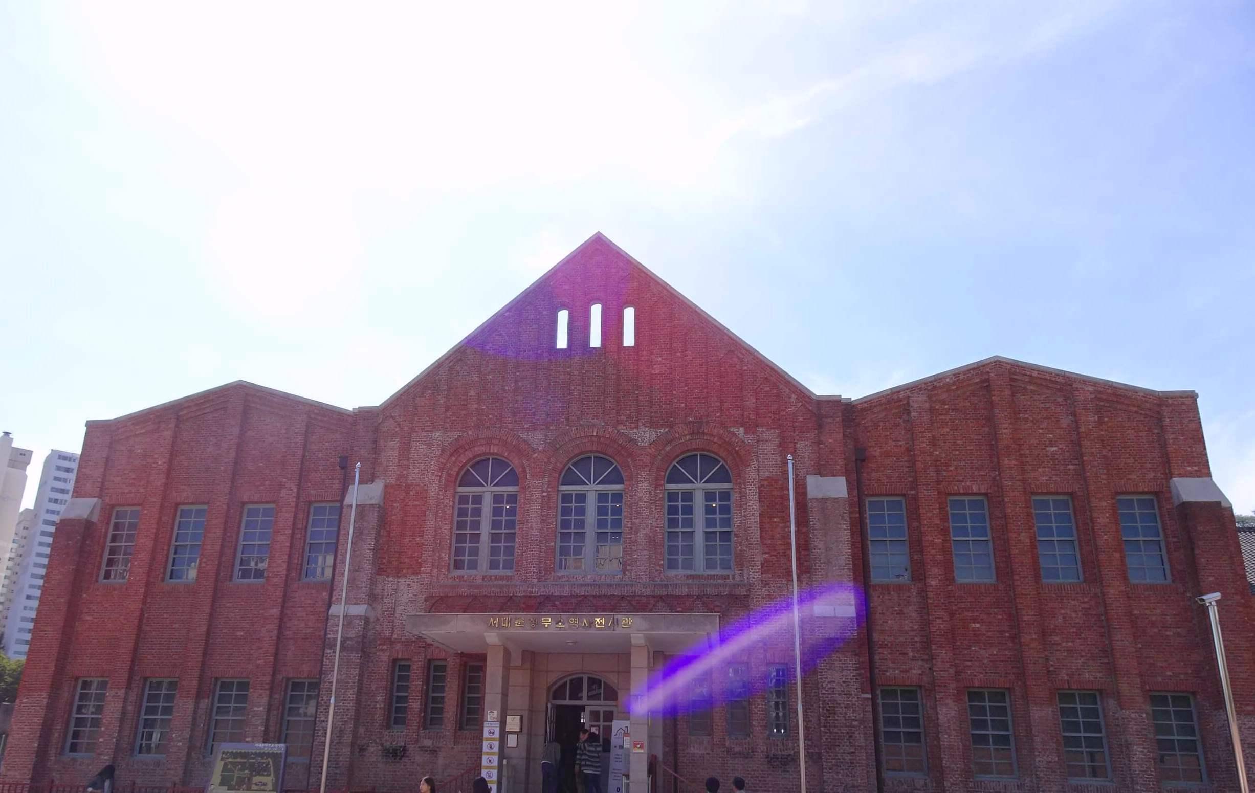 西大門刑務所の建物跡は展示館に